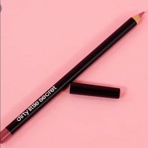 Other - 🌹 NWT!!!! 🌹Dirty Little Secret lip liner !!!!!